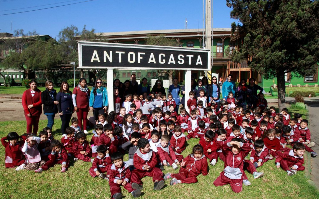 Niños llenan de alegría y diversión el Ferrocarril de Antofagasta