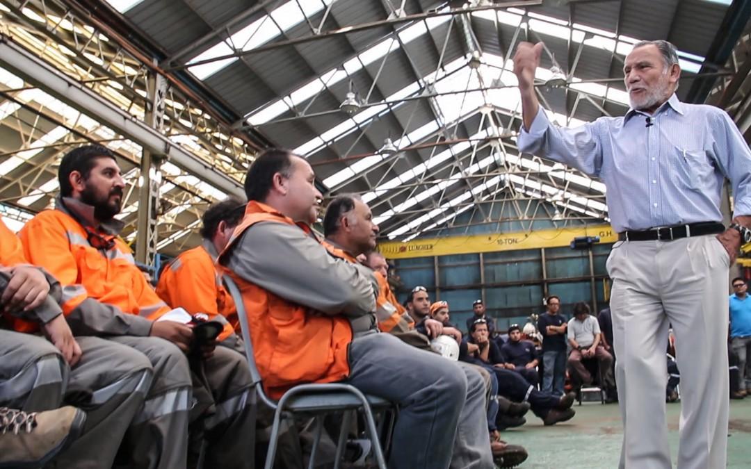 Andinista Claudio Lucero motiva a trabajadores de FCAB