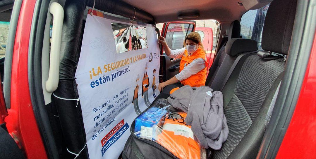 Barreras plásticas en camionetas para evitar contagio de coronavirus