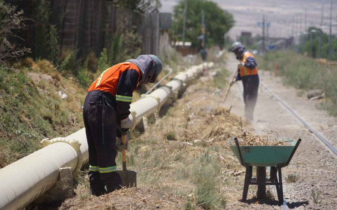 FCAB ejecuta programa de limpieza de vía férrea en Calama